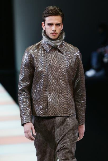 Las chaquetas con imitación piel de víbora ya no sólo son exclusivas del...