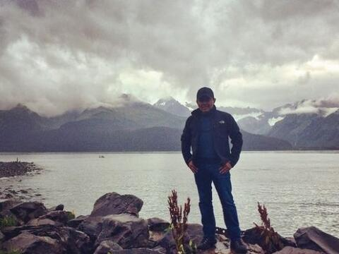 Conociendo y disfrutando de maravillosos paisajes, Raul Brindis celebr&o...
