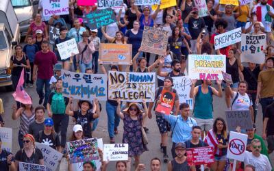 Una protesta a favor de los inmigrantes en Los Ángeles, California.