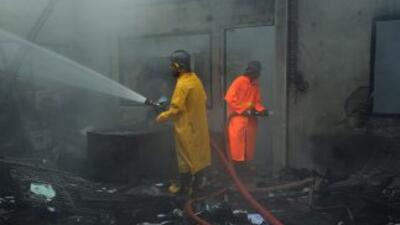Al menos 30 personas murieron en un incendio en un campo de refugiados b...