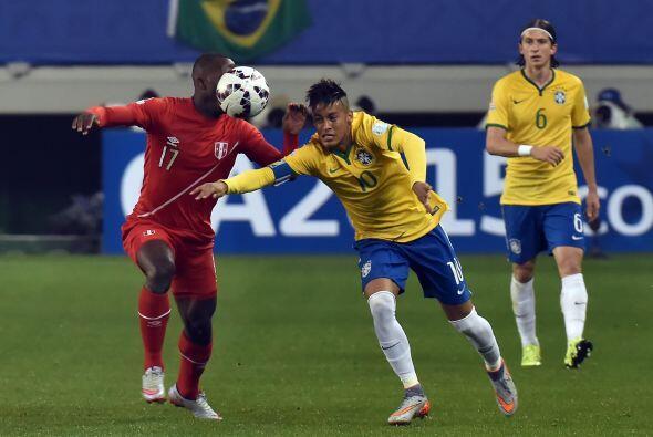 Brasil, quien es uno de los favoritos de la Copa América, se vio sorpren...