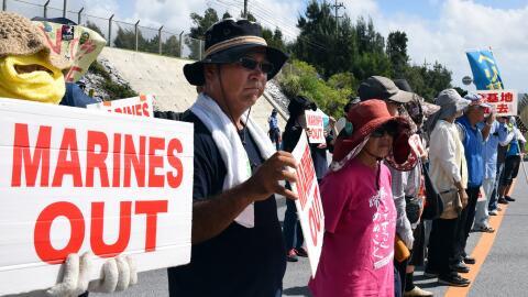 Protesta en Okinawa contra los militares estadounidenses debido a incide...
