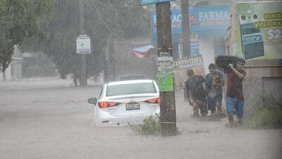 Al menos seis muertos tras una inundación histórica en Sinaloa, México