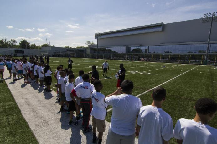 Fotos del segundo NFL PLAY 60 Character Camp de los New York Jets img_99...