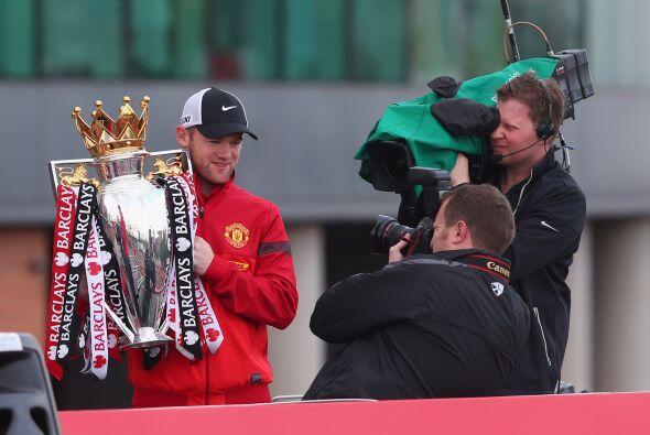 Wayne Rooney dejó de lado los rumores sobre si se queda o se va del equi...