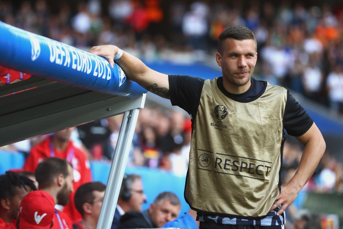 Misterio Podolski: con clubes era Clark Kent; y con Alemania, Superman 3...