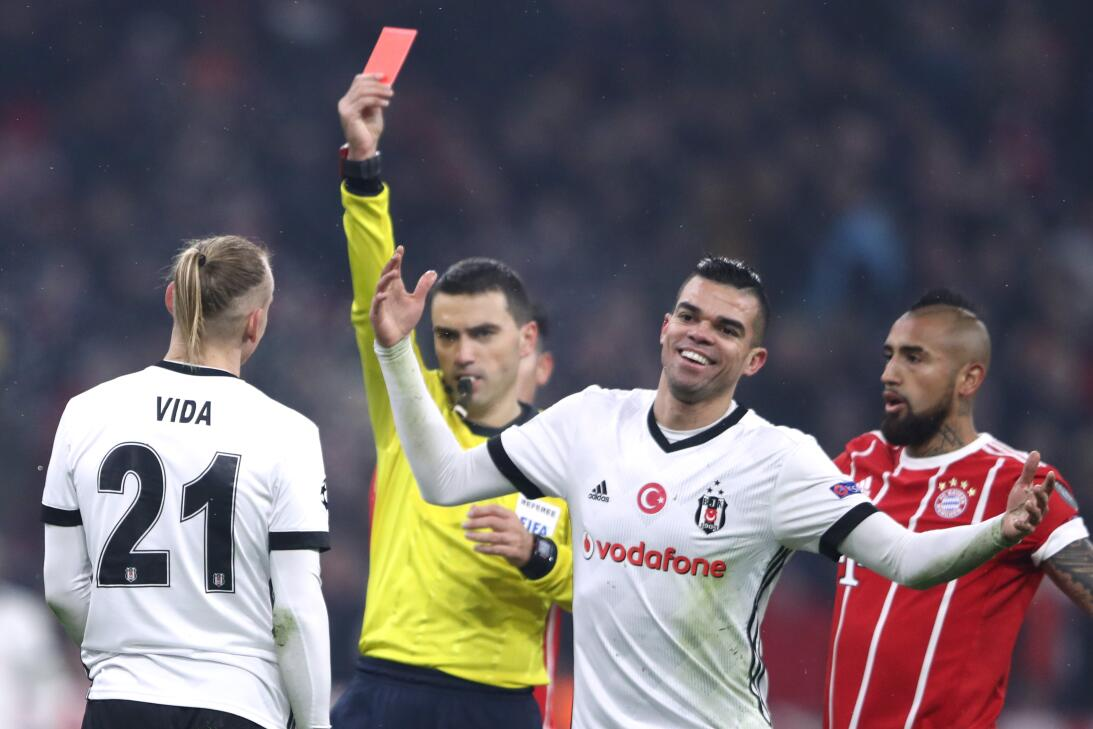 Bayern Munich derrotó a Besiktas en la ida de los octavos de final en Ch...