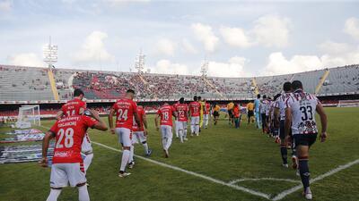 Afición veracruzana castigó al equipo tras polémicas de Kuri