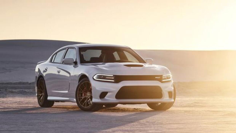 El Charger Hellcat pone un nuevo estándar de potencia para los sedanes d...