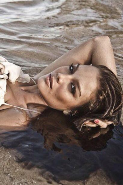 La ex Miss Universo lleva el calor de su natal Puerto Rico en la sangre...