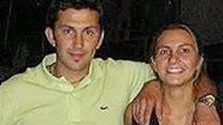 Los hermanos Emilio y Analía Maya llegaron a Estados Unidos en 1988 en b...