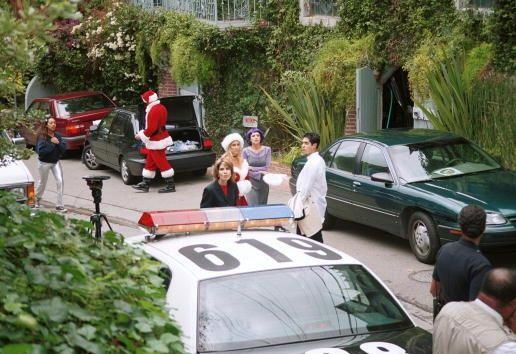 24 de diciembre de 2008: Un hombre disfrazado de Papá Noel abre fuego co...