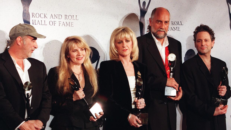 NEW YORK, UNITED STATES: Members of the British rock group Fleetwood Mac...
