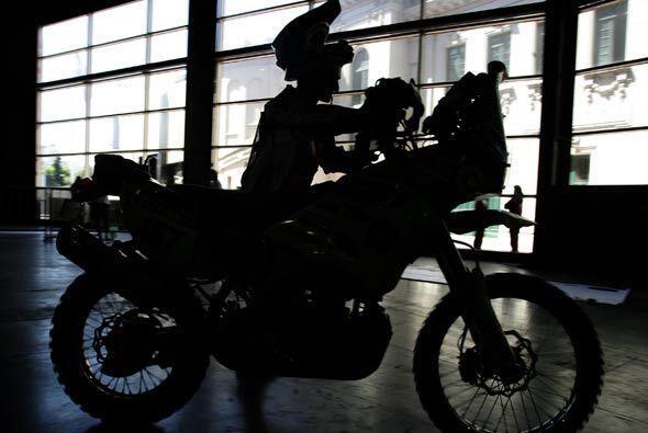 Todos los pilotos hicieron las revisiones más cuidadosas de sus motos.