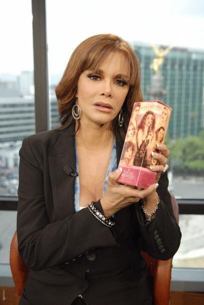 19.- La actriz mexicana Lucía Méndez, quien participó en la serie Mujere...
