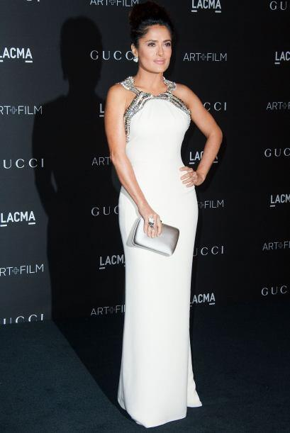 Salma Hayek asistió a los LACMA Art + Film Gala donde lució muy glamuros...