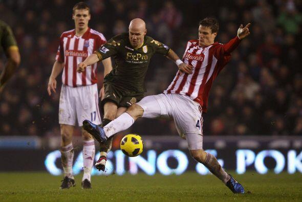 Fulham visitó al Stoke City con la necesidad de sumar unidades.
