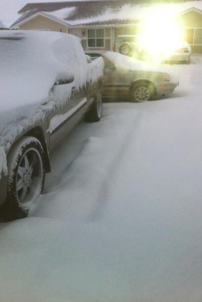 Mireya Lozoya envió una fotografía en la que sólo se aprecian automóvile...