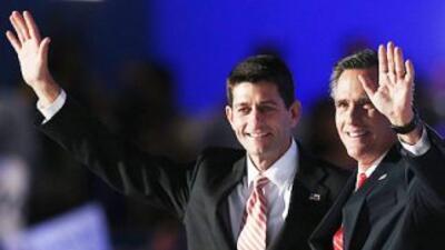 El legislador por Wisconsin, Paul Ryan, junto al ex-gobernador de Massac...