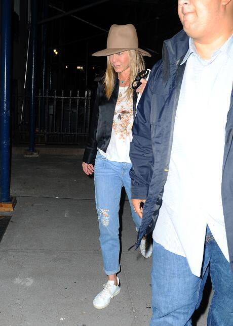 Primera aparición de Jen Aniston tras anunciarse la separación de Brad y...