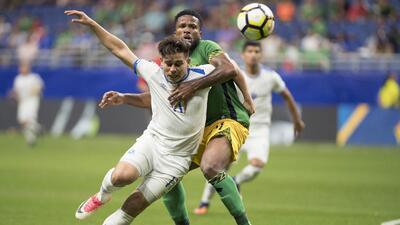 Fue un partido intenso entre jamaiquinos y salvadoreños que culminó con...