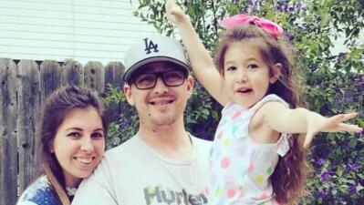 Anthony Mele Jr., su esposa Hana y su hija Willow, de 5 años.