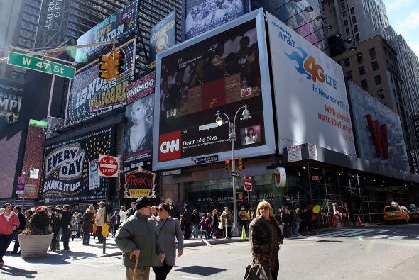Los teatros ubicados en Broadway contribuyeron con $1,040 millones a la...