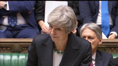 El gobierno de Reino Unido se tambalea tras una ola de dimisiones por el acuerdo del Brexit