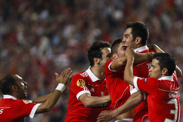 El 'Tacuara' consiguió el segundo tanto del Benfica para el triun...