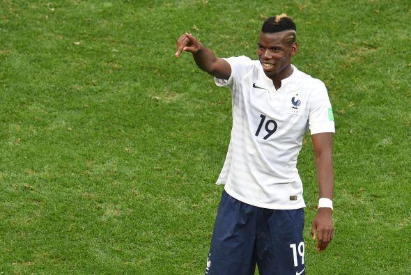 El francés Paul Pogba recibió el premio al Mejor Jugador Joven del Mundi...