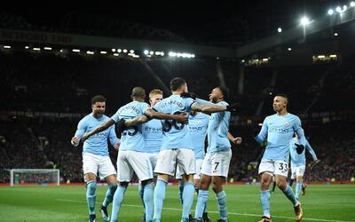 Manchester United 3-0 Stoke City: Red Devils golean y se meten a la pela...