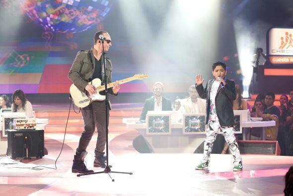 José Luis fue el afortunado de cantar con el cantante, aunque su actuaci...