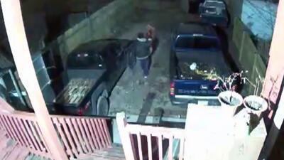 Mujer mexicana denuncia que un ladrón ha robado tres veces su casa y que no ha recibido ayuda de la policía
