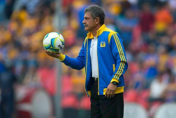 Ricardo Ferretti tendrá que buscarse otro árbitro a quien reclamarle las...