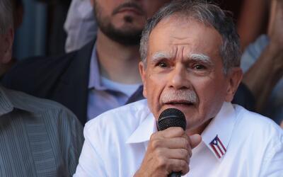 Grupos de boricuas le dan la bienvenida a Óscar López Rivera en El Bronx...