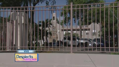 Ángel Martínez se prepara para una visita ocular al Hospital psiquiátric...