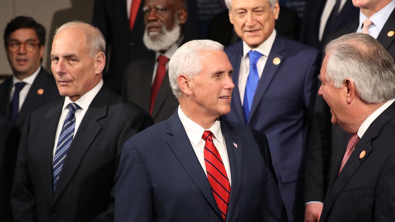 """""""Su éxito es nuestro éxito"""", dijo Pence ante los líderes centr..."""