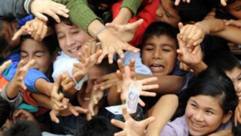 Alrededor del 40 por ciento de los niños en Paraguay vive en situación d...