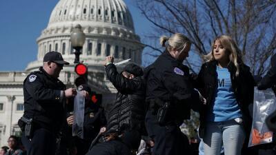 La desobediencia civil siempre ha sido un componente importante de las p...