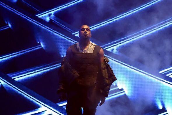 El cierre de los premios Billboard corrió a cargo de Kanye West, quien i...