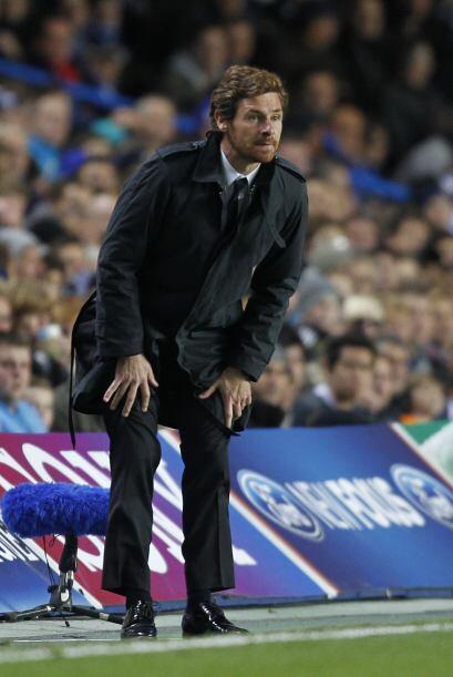 Andre Villas-Boas, técnico del conjunto inglés, como siempre vivió los 9...
