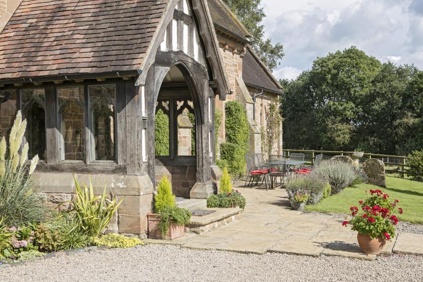 Esta iglesia en Warwickshire, Inglaterra, ahora es una casa, y está a la...
