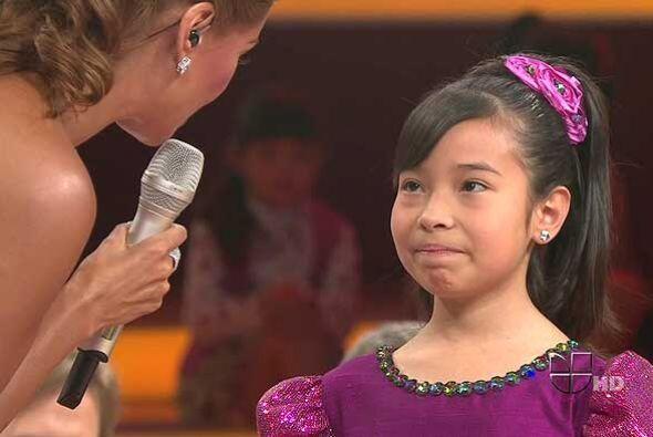 La pequeña de 11 años dedicó su canción a su hermana de 18 años, quien y...