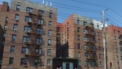 Inquilinos en Queens denuncian acoso por parte de la administración de un edificio de apartamentos