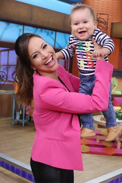 Y el 5 de marzo del 2015, baby bruce volvió a casita ¡qué sonriente! Fel...
