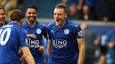 Jamie Vardy continuó la fiesta del Leicester con su doblete ante Everton.