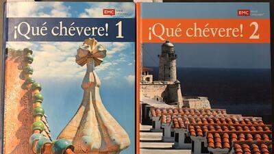 Los estereotipos latinos usados por los libros '¡Qué chévere!' para enseñar español en las escuelas