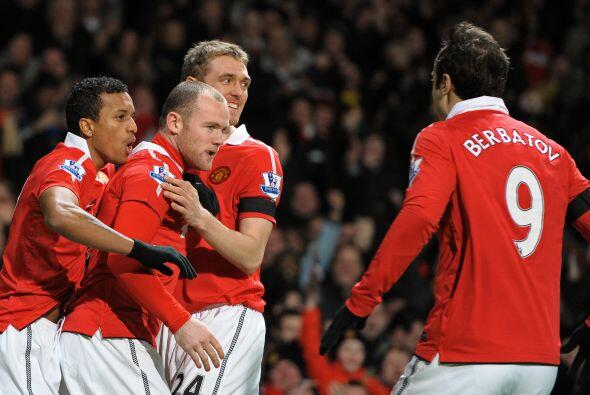No pasó ni un minuto para que Wayne Rooney abriera el marcador.