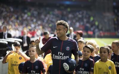 El jugador de la selección de Brasil y de Paris Saint-Germain, Ne...