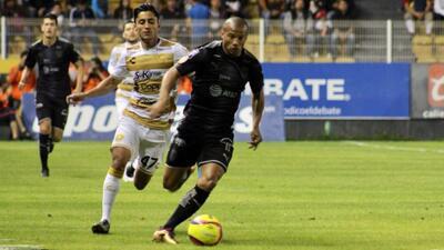 'Pato' Sánchez sentenció el partido sobre la hora.